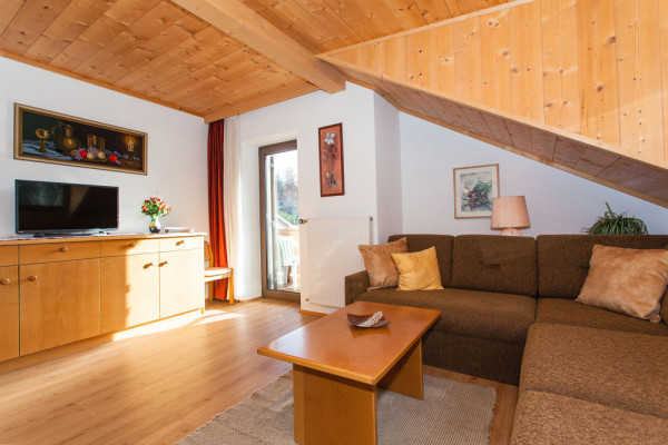 Spacious living room with views of the South Tyrolean mountains